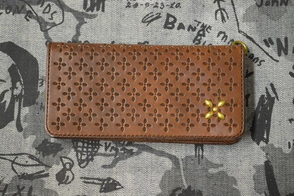 画像1: 【Venom Leather】Qee別注 Cross Long Wallet / Brown x Gold Studs