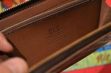 他の写真2: 【Venom Leather】Qee別注 Cross Emboss Zip-around Wallet / Brown